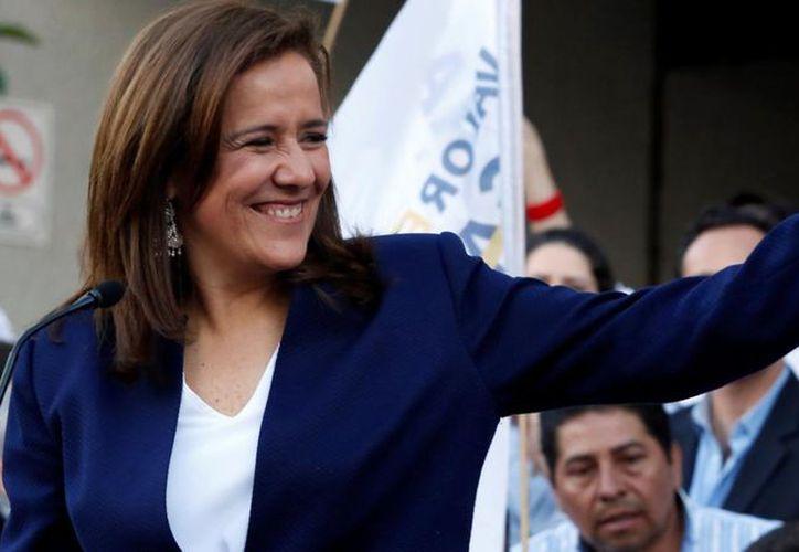 La aspirante independiente a la Presidencia dijo que hará una intensa campaña en redes sociales. (Foto: Univisión)