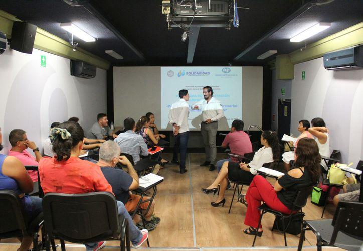 El evento se realizó con la participación de autoridades municipales. (Daniel Pacheco/ SIPSE)