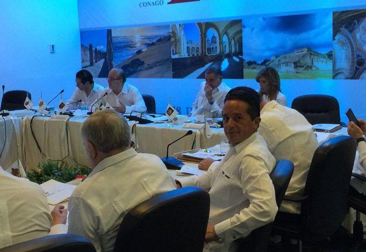 El gobernador de Quintana Roo, Carlos Joaquín, fue nombrado presidente de la Comisión de Desarrollo Social y Pueblos Indígenas de la Conago. (Cortesía)