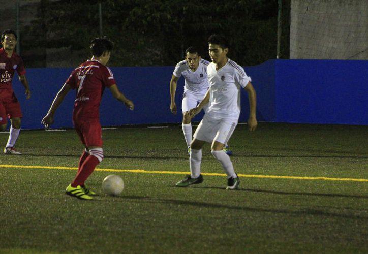El partido termino con la escandalosa goleada de 14-0 con la que le pasaron encima a la Liga de la Justicia. (Miguel Maldonado/SIPSE)