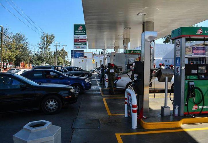 Los estados de Querétaro, Guanajuato y San Luis Potosí se han visto afectados por el desabasto de gasolina. (twitter.com/PoliticaGto)