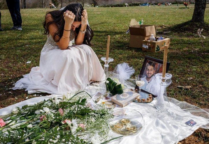 Ellos iban a casarse el fin de semana pasado pero una llamada de la policía cambió su destino y su vida para siempre. (El Debate)