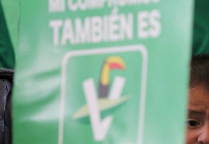 El PVEM pidió a las autoridades electorales 'mucho ojo' en las próximas campañas, ya que hay riesgo de que narcotraficantes financien la propaganda. La imagen es de contexto. (animalpolitico.com)