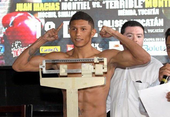 Miguel 'Alacrán' Berchelt era el rival mandatorio para enfrentarse con 'Rocky' Martínez pero parece que la oportunidad no llegará pronto. (Archivo Notimex)