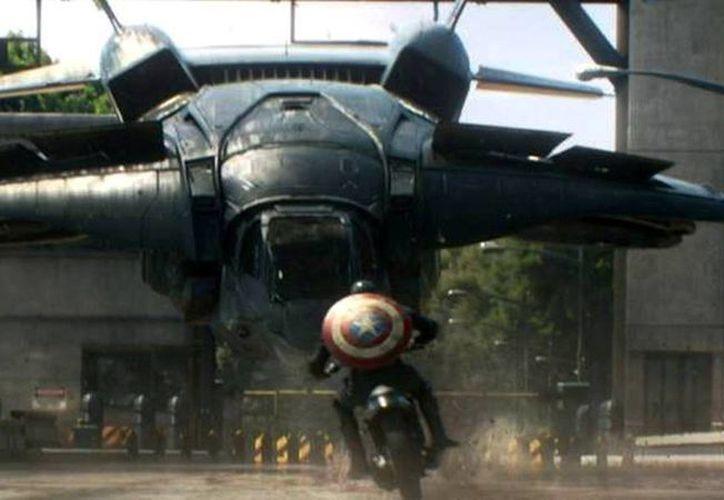 'Capitán América 2' se centra en cómo Steve Rogers, héroe de los 40, trata de aclimatarse al mundo moderno y encontrar un sitio donde encaje. (Facebook/Marvel Latinoamérica)