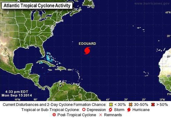 El huracán 'Eduardo' se encuentra aún muy lejos de zonas habitadas. (nhc.noaa.gov)