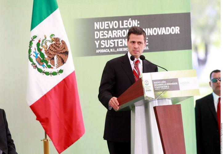 El presidente Enrique Peña Nieto durante su visita de ayer a Nuevo León. (Agencia Reforma)
