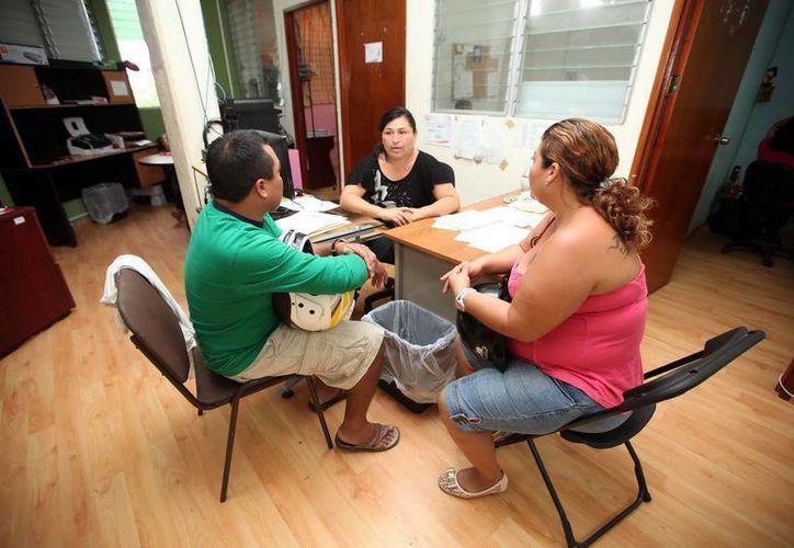 Atienden casos de asistencia social, procesos en materia familiar y orientación. (Redacción/SIPSE)