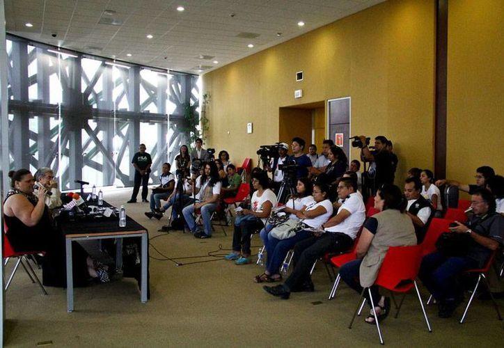 En rueda de prensa, se dieron a conocer los detalles de la 'Gira de la Amistad' que llegará a Mérida: tenores y sopranos de talla internacional cantarán ópera en lengua maya. (Sedeculta)