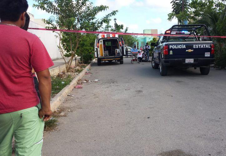 Los vecinos encontraron el cuerpo tirado en la calle. (Redacción/SIPSE)