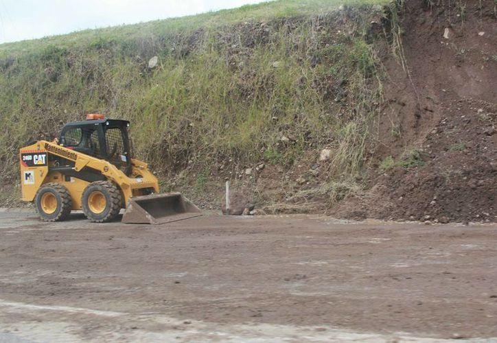 Las carreteras que construirá la Sedena unirán a Atoyac con Ciudad Altamirano, y abarcan más de 100 kilómetros. Imagen de contexto. (Archivo/Notimex)