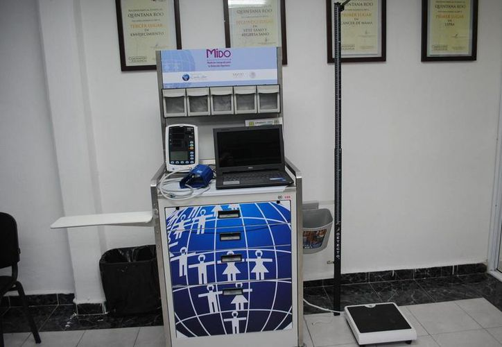 El equipo médico se entregará a cuatro Centros de Salud de Cancún. (Cortesía)