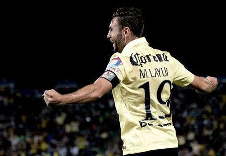 El defensa americanista Miguel Layún tuvo este viernes por la noche la que tal vez sea la más afortunada noche de su carrera como futbolista. Le hizo cuatro goles al Santos.
