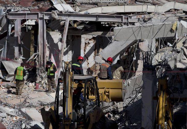 Miguel Ángel Mancera indicó que los empleados de Gas Express Nieto serán acusados por homicidio imprudencial. (AP)