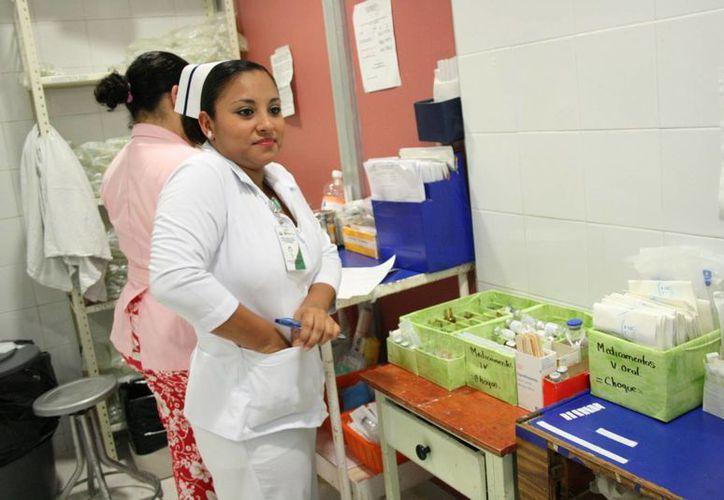 El nosocomio cuenta con tres camas en el área de urgencias. (Javier Ortiz/SIPSE)