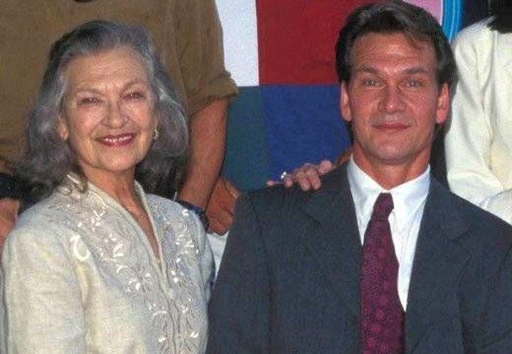 Patrick Swayze y su madre, la coreógrafa y profesora de danza Patsy Swayze. (Agencias)