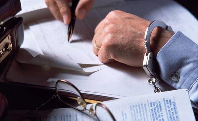 La orden de aprehensión fue por una denuncia de la Secretaría de Hacienda y Crédito Público. (carlosnuel.com)
