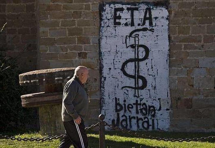 """España ha sufrido desde hace más de 50 años """"la crueldad y sinrazón del terrorismo de ETA"""". (Archivo/AP)"""