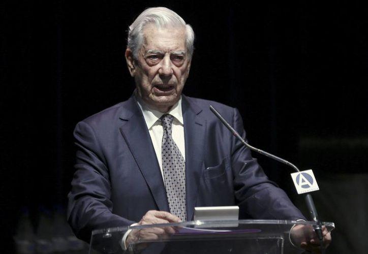Entre las personalidades que firmaron el documento en rechazo al 'discurso de odio' de Donald Trump se encuentra el escritor Mario Vargas Llosa. (Archivo/EFE)