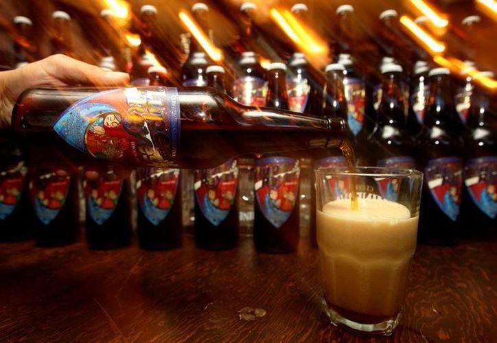 El estudio reveló también que no existe relación entre el consumo de cerveza y el aumento del índice de masa corporal. (Foto: Vanguardia MX)