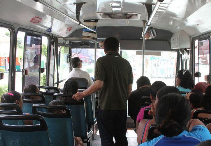 Usuarios del transporte público han denunciado con mayor frecuencia a los conductores que manejan de manera imprudente. (Foto: Octavio Martínez/SIPSE)