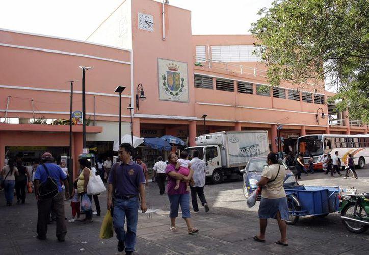 El mercado Lucas de Gálvez, el principal de Mérida, tiene diversas carencias. (José Acosta/SIPSE)