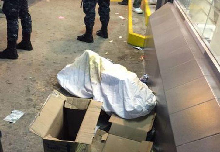 La persona fue encontrada en una banqueta en la avenida Tulum. (Redacción/SIPSE)