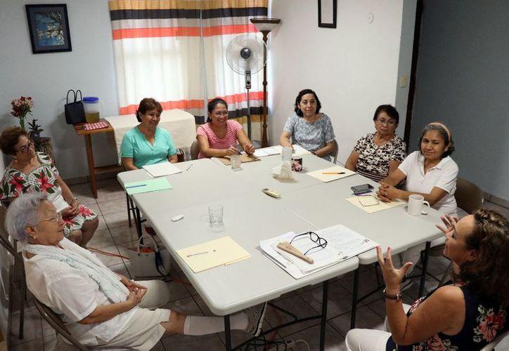 El espacio de reflexión está conformado por grupos selectos de 6 a 8 personas en horarios de de 9 a 12:00 horas los martes y los jueves. (Daniel Sandoval/Milenio Novedades)