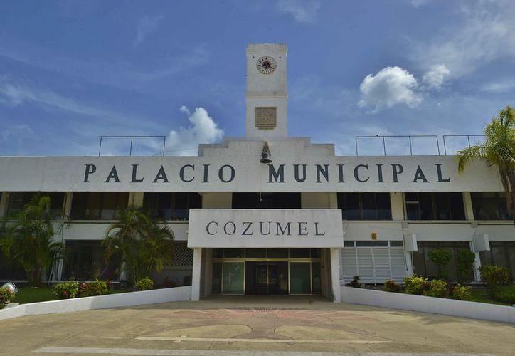 Recibirán compensaciones los trabajadores del Ayuntamiento de Cozumel. (Gustavo Villegas/SIPSE)