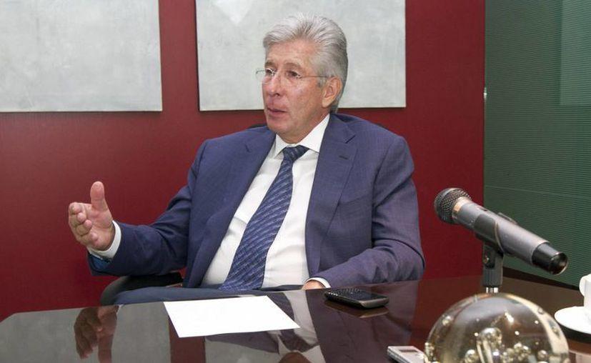 El titular de la SCT, Gerardo Ruiz Esparza, anunció código de entendimiento con la industria de la construcción. (Notimex)