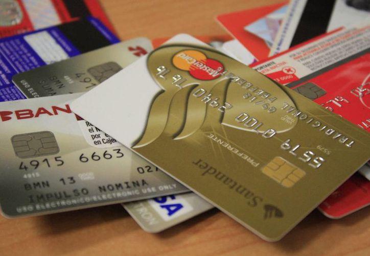 Durante las vacaciones incrementan las promociones que buscan recabar información personal, número de tarjetas o cuentas bancarias del usuario. (Archivo/SIPSE)