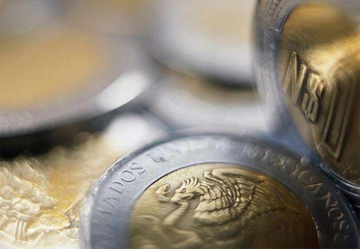 El IMEF estimó que el tipo de cambio cerrará el año en 17.96 pesos por dólar. (excelsior.com.mx)