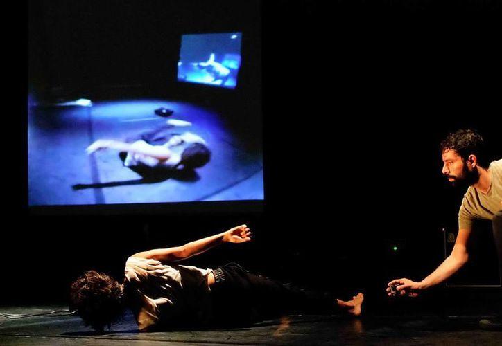 Este lunes se presentará en el Centro Cultural Tapanco el montaje 'Eco' la cual mezcla la danza, música y el teatro.(Milenio Novedades)
