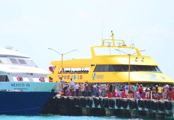 Aumentarán las operaciones navieras con la ampliación del muelle con 100 metros adicionales. (Daniel Pacheco/SIPSE)