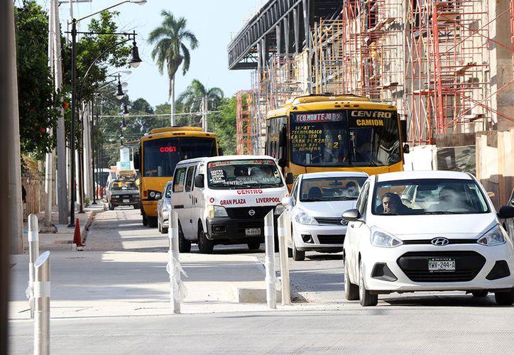 Los vehículos que circulen por Cupules y Colón deberán reducir su velocidad, porque los carriles tendrán un alto pronunciado para darle mayor prioridad al peatón. (Milenio Novedades)
