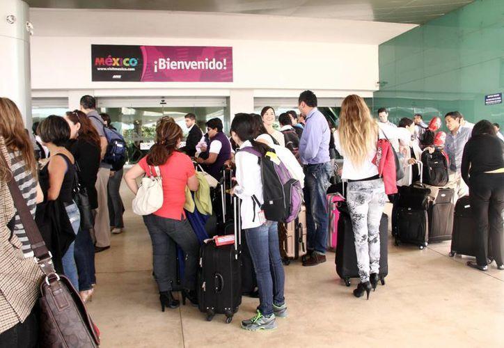 Aeropuerto registra un intenso movimiento en el inicio del 2014. (Milenio Novedades)