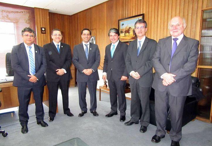 La delegación meridana se reunió ayer con las autoridades de Valdivia, Chile. (Milenio Novedades)