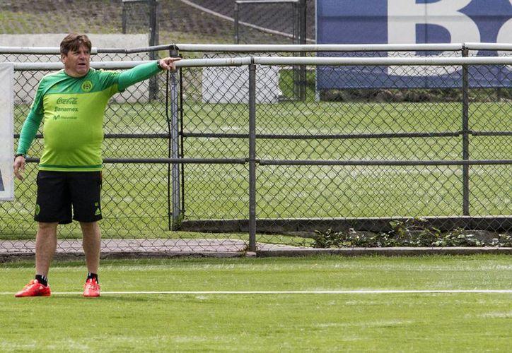Miguel Herrera, quien fue despedido hace unos meses de la Selección Mexicana, regresa al Futbol Mexicano para dirigir a Xolos de Tijuana. (Notimex)