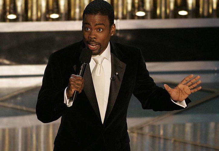 Chris Rock volverá a ser el anfitrión en la entrega de premios Oscar, tras 10 años de haberlo hecho. (marvin.com.mx)