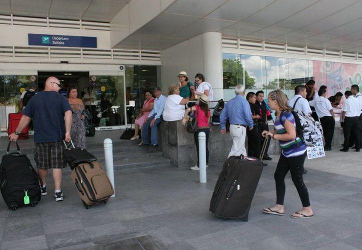 Existen proyecciones de crecimiento favorables en el arribo de turistas en el Caribe mexicano. (Tomás Álvarez/SIPSE)