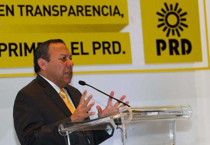 El presidente nacional del PRD, Jesús Zambrano, y gobernadores perredistas,  dialogarán con los secretarios sobre la estrategia legislativa. (Archivo Notimex)