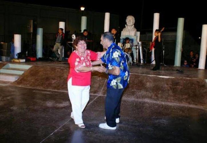 Las autoridades de Progreso realizarán bailes populares, además de otras actividades para activar la vida nocturna en esta temporada vacacional. (Archivo/ SIPSE)