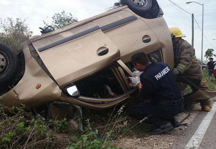 El mes más mortal del año era marzo, con 25 fallecimientos en accidentes. Imagen de un percance trágico en la carretera estatal Mérida-Molas. (Milenio Novedades)