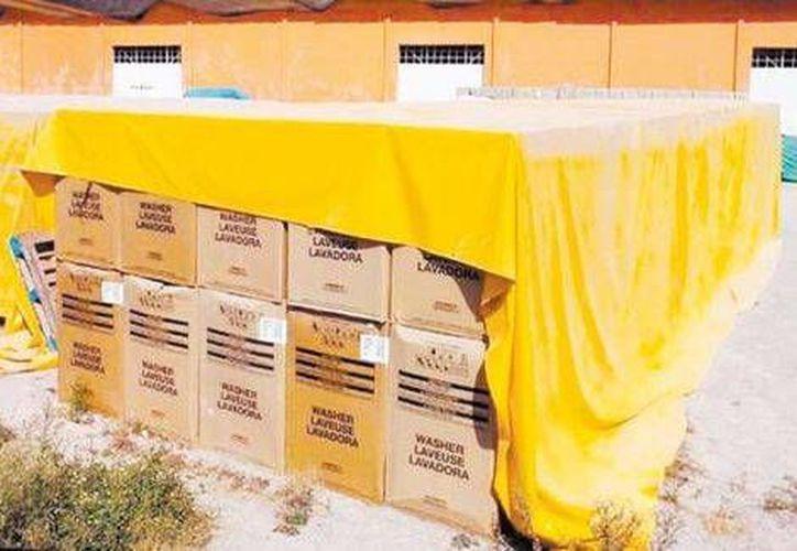 Los enseres y aparatos electrodomésticos fueron enviados para los damnificados de la tormenta tropical. (Milenio)