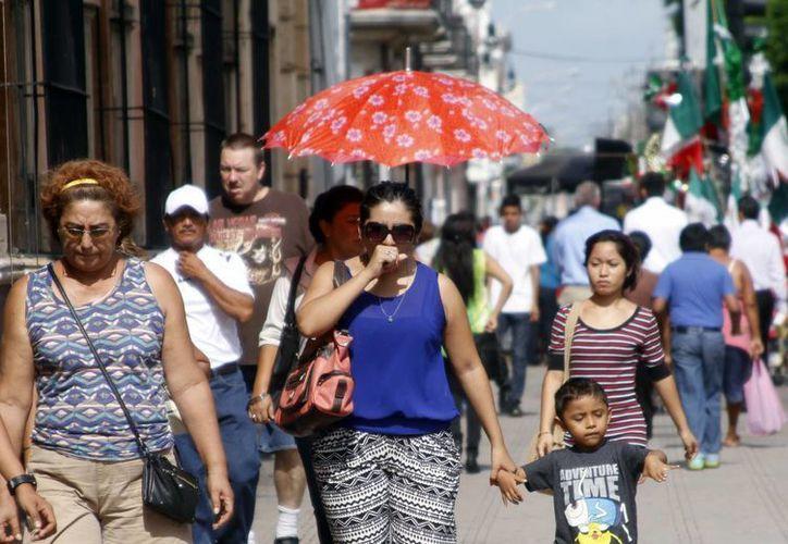 Así como la Conagua pronostica lluvias para los próximos días, prevé temperaturas máximas de 33 a 37 grados en Yucatán y Quintana Roo y de 34 a 38 grados en Campeche. (SIPSE)