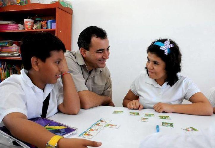 La escuela a tiende a 50 alumnos en la mañana y 65 en la tarde. (Redacción/SIPSE)