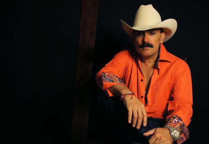 El Chapo de Sinaloa dijo que se encuentra preparando un nuevo material discográfico con mariachi. (Jocelyn Díaz/SIPSE)