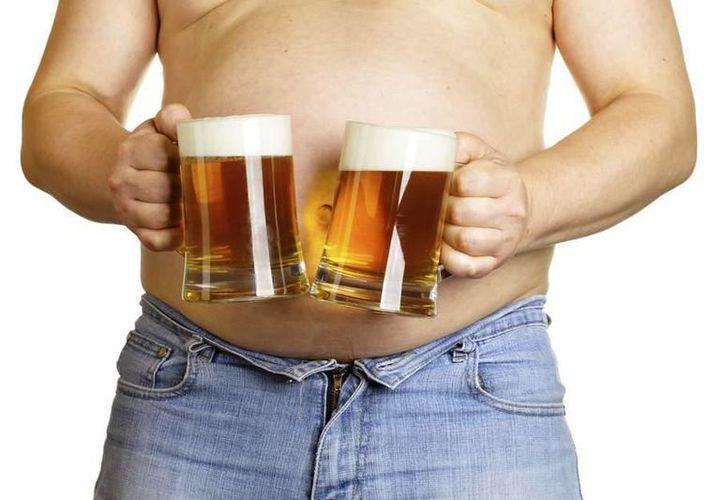 Diversos estudios indican que la cerveza no es la causante de los kilos extra que se adquieren. (Vida y Estilo - Terra)