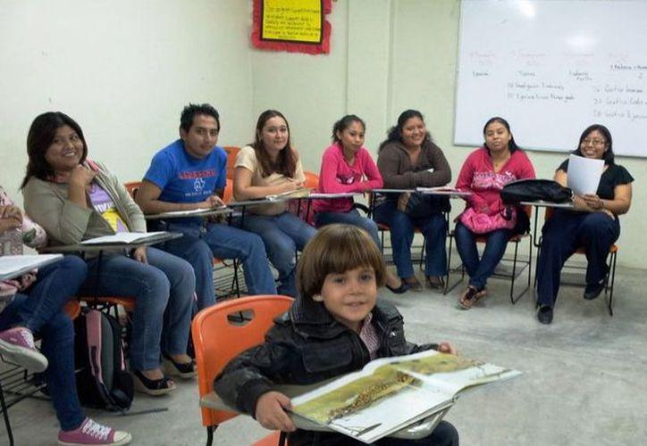 El hábito de la lectura requiere un impulso en todas las instituciones educativas. (Cortesía/SIPSE)