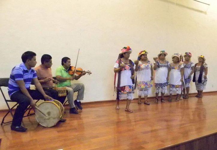 La danza tiene los componentes regionales del mundo maya. (Redacción/SIPSE)